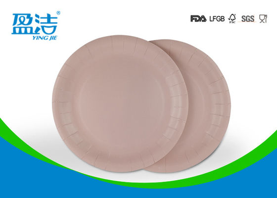 China Large Disposable Paper Plates 9 Inch Round Shape For Picnic And Party supplier